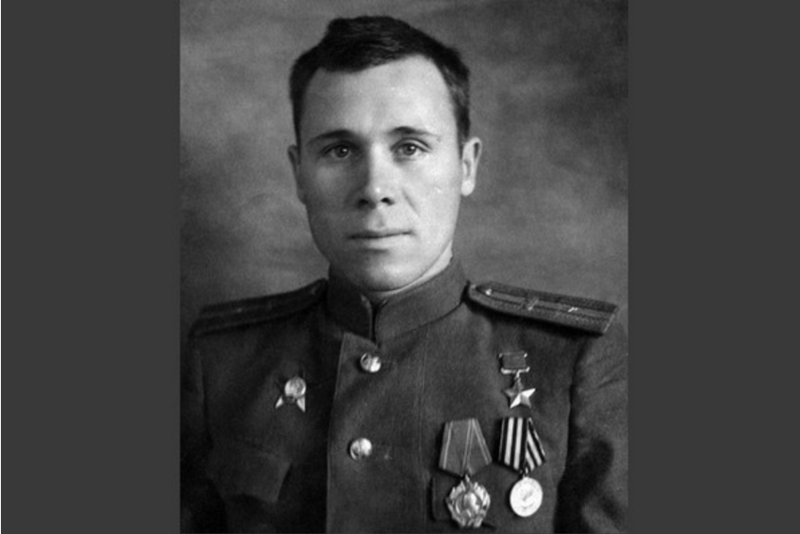 -Трупами завалили...-Этот пулеметчик за сутки отразил 19 атак и убил 311 немцев (3 фото)