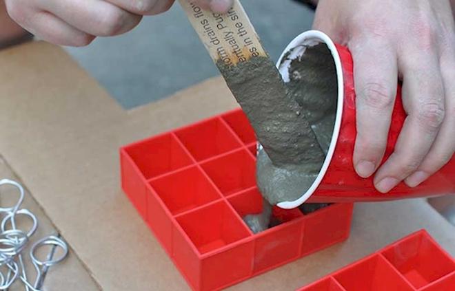 Держатели для бумаги из бетона своими руками (8 фото)