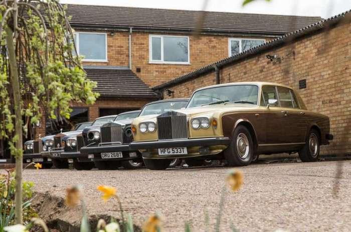 Место, где умирают роскошные английские автомобили (12 фото)