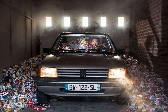 Для своего проекта фотограф не выкидывал мусор целых 4 года (9 фото)