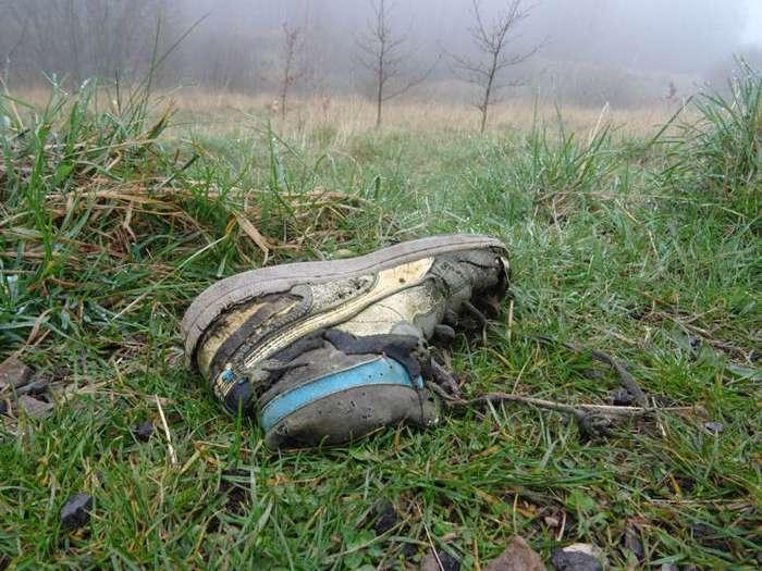 Обувь, в которой уже никто никуда не пойдёт. Часть 2 (31 фото)