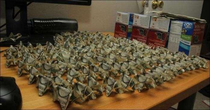 Свинки-оригами в оплату штрафа (8 фото)