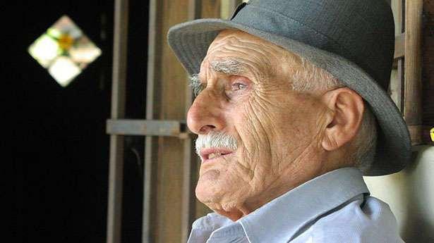 80-летний мужчина сказал медсестре, что очень торопится. Причина растрогала ее до слез!