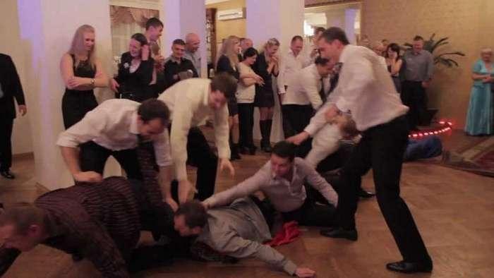 -Опозорил!-: печальные истории современных свадеб (6 фото)