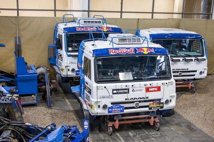 Как собирают гоночные -КамАЗ-мастер- (20 фото)