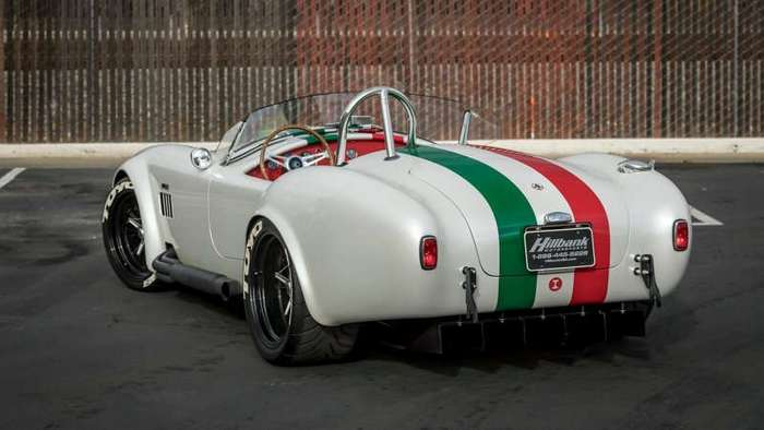 Реплика Shelby Cobra стала самой быстрой -Коброй- в истории (6 фото)