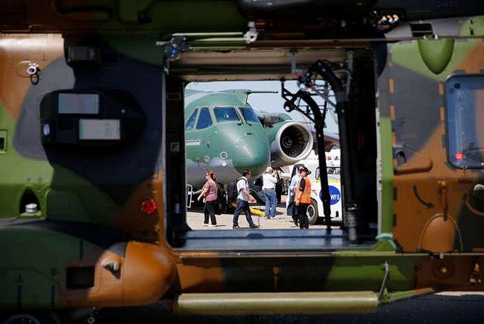 Кадры с Парижского авиасалона в Ле-Бурже (14 фото)