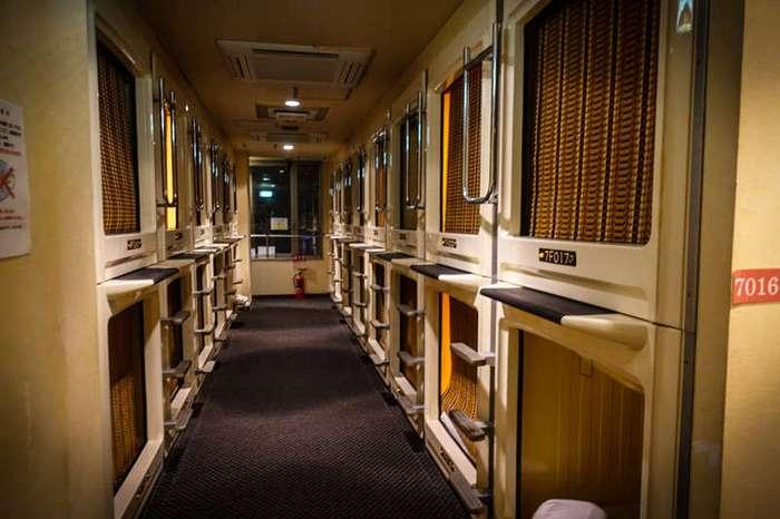 Как устроен японский капсульный отель (34 фото)