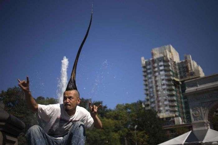Необычный рекорд. Самый высокий ирокез (6 фото)