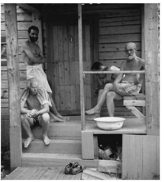 Фотосвидетельства того, чем жили люди последних столетий (38 фото)
