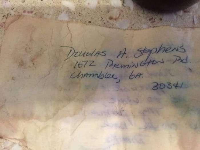 Послание в бутылке нашло адресата спустя 36 лет (4 фото)