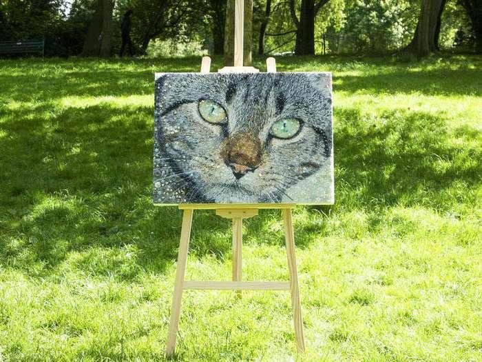 Очаровательные коты из бусин и пуговиц (14 фото)