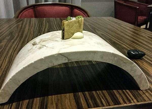 Британец объявил крестовый поход против посудного беспредела в ресторанах (28 фото)