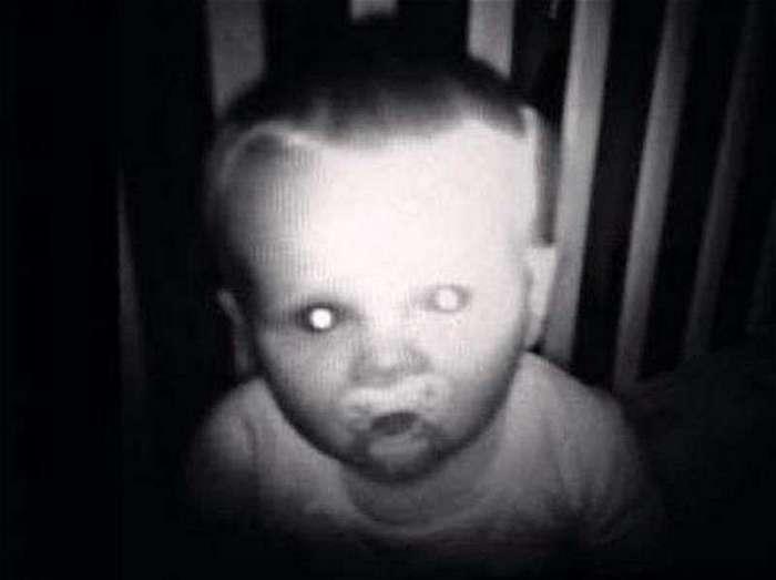 Кошмары с детских мониторов (18 фото)