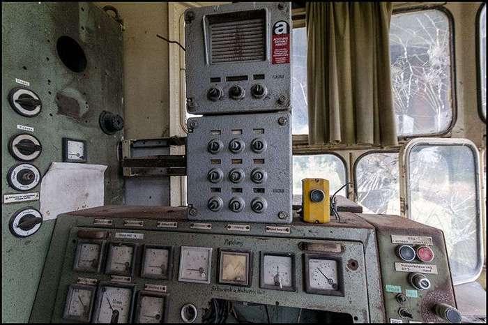 Гигантский заброшенный экскаватор Bagger 258 (30 фото)
