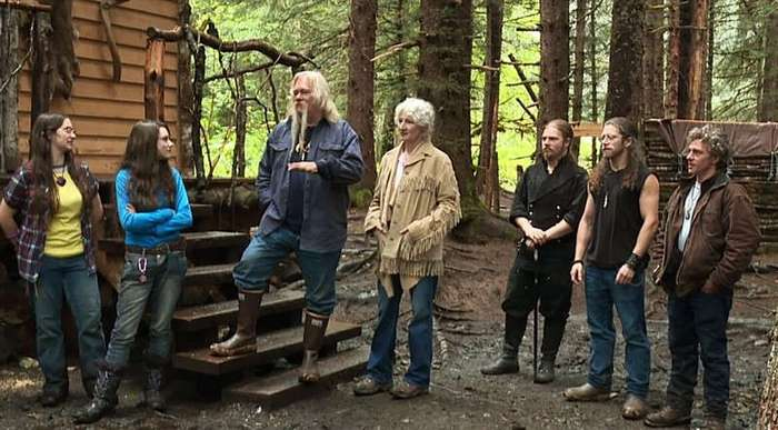 Семья из леса или как живут на Аляске (5 фото)