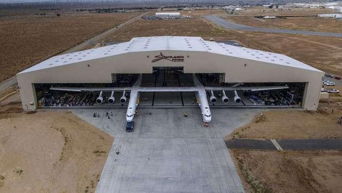 Как выглядит самолет с рекордной длиной крыльев