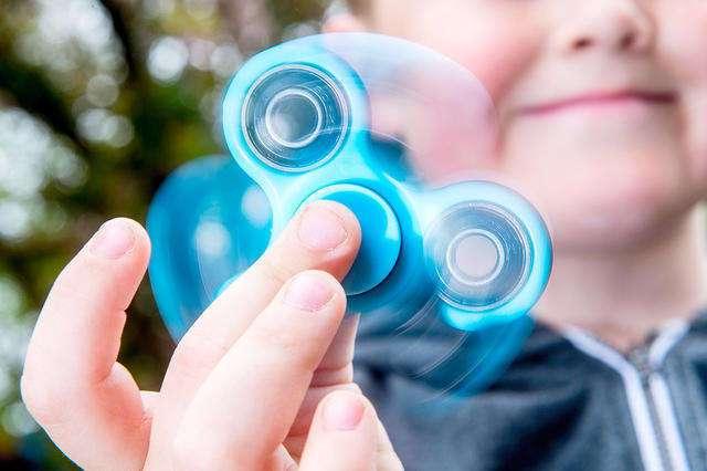 Спиннер &8211; суперигрушка, способная отвлечь современных детей от виртуальной реальности