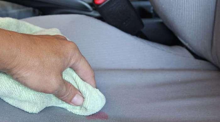 Как быстро очистить салон автомобиля