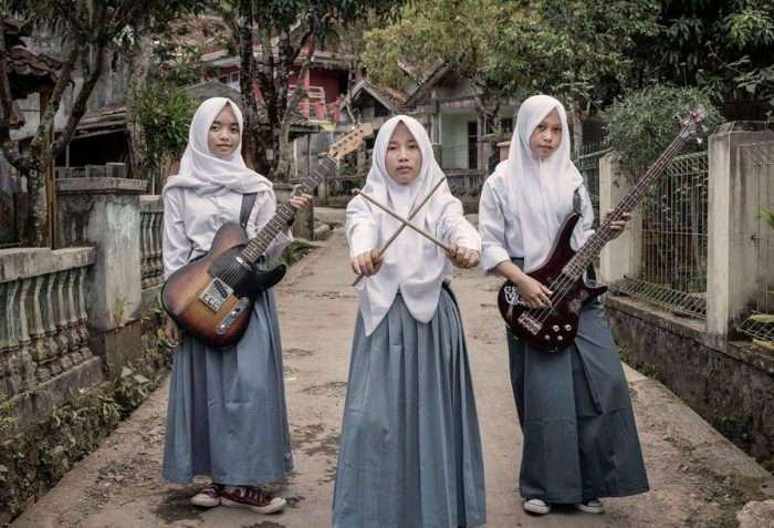 -Voice of Baceprot-: рок по-мусульмански