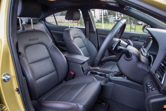 Hyundai Elantra SR Turbo - стильный городской хэтчбек для любителей скорости