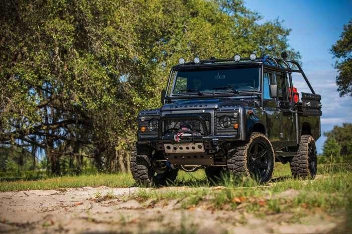 Энтузиасты превратили Land Rover Defender в лучший внедорожник в истории