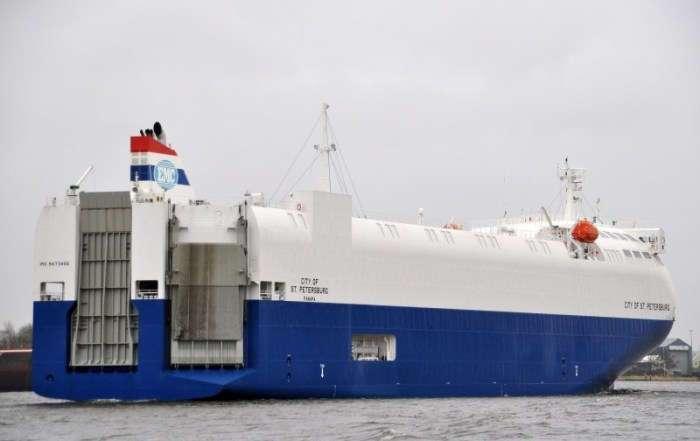 Плавучий дирижабль: гигантский теплоход, который за раз перевозит 2000 машин