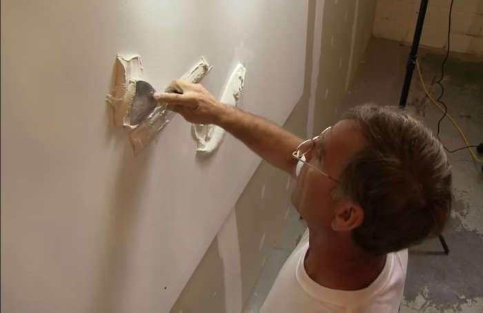 Всем казалось, что мужчина просто делает ремонт в доме, но в конце получилось нечто невероятное