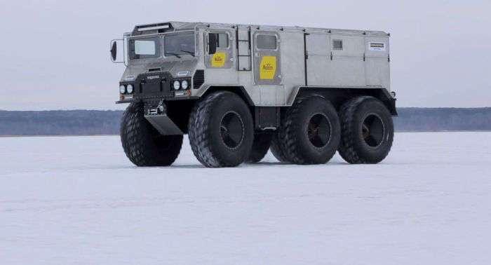 -Бурлак- - самодельный российский вездеход для путешествий к Северному полюсу
