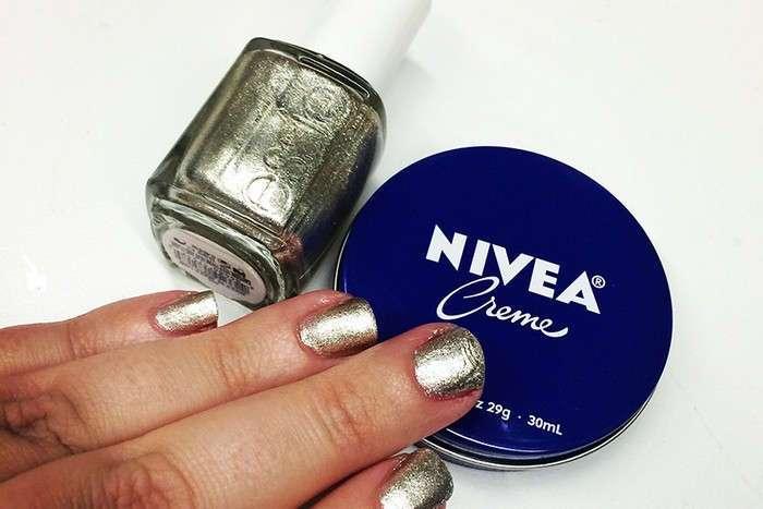 Чудо в банке: 7 непривычных, но эффективных способов использовать крем Nivea