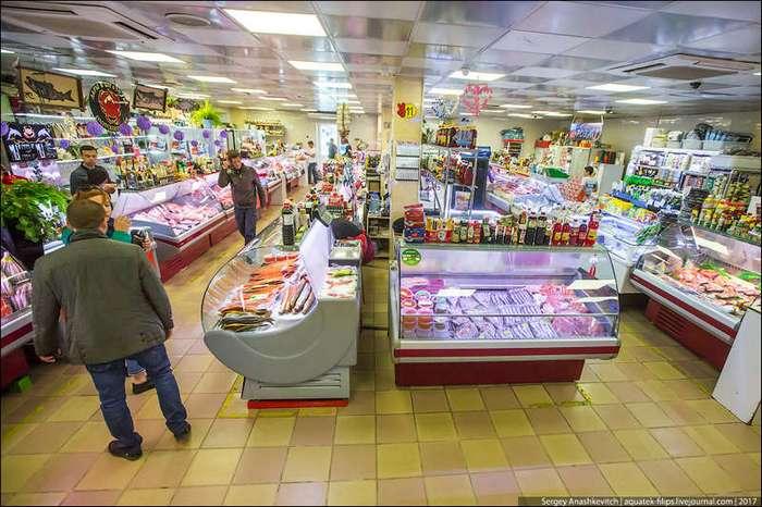 Сколько стоят икра, рыба и крабы на Сахалине