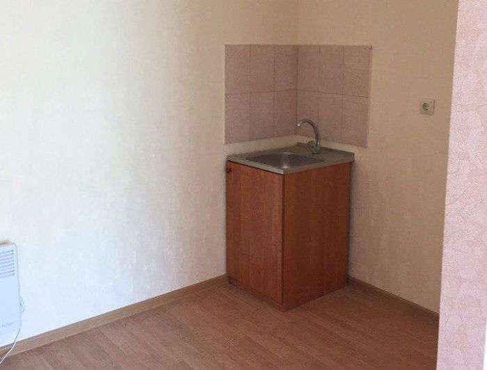 В Севастополе ветеранам выдали по одной квартире на двоих (5 фото)