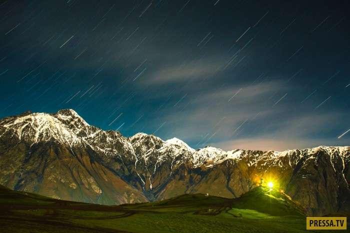 Казбек ночью и днем (21 фото)