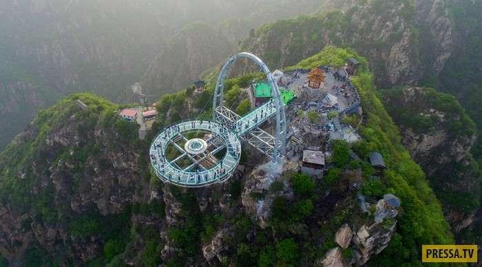 Места, где туристы могут испытать свою силу воли и крепость нервов (10 фото)