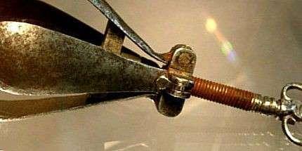 ТОП-15 ужасных и пугающих орудий для пыток из средневековья (15 фото)