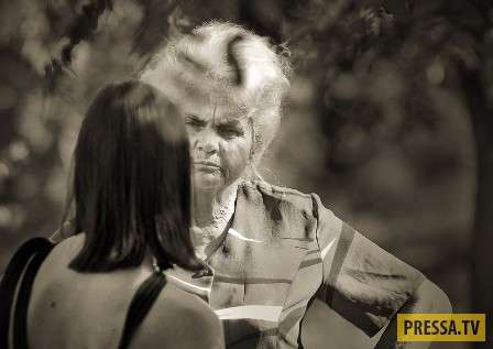 Бабушка с больным воображением и ужасным характером