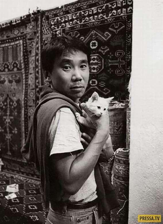 Малоизвестные фотографии мировых знаменитостей разных эпох (28 фото)