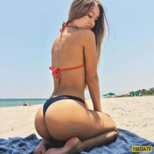 Симпатичные девушки на отдыхе в пляжном песочке (51 фото)