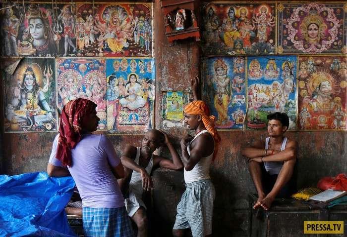 Интересные моменты жизни людей в Индии, в июне-июле 2017 года (30 фото)