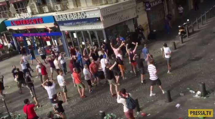 Рекомендации англичанам: как вести себя в России во время ЧМ по футболу в 2018 году (5 фото)