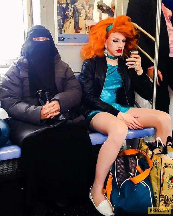Самые странные пассажиры в общественном транспорте со всего мира (40 фото)