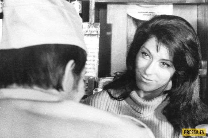 Народной актрисе России Ирине Мирошниченко 75 лет (15 фото)