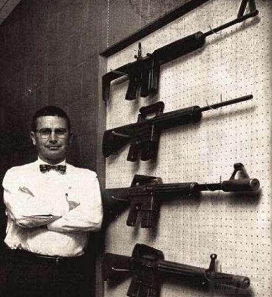 Американская автоматическая винтовка М16 (4 фото)