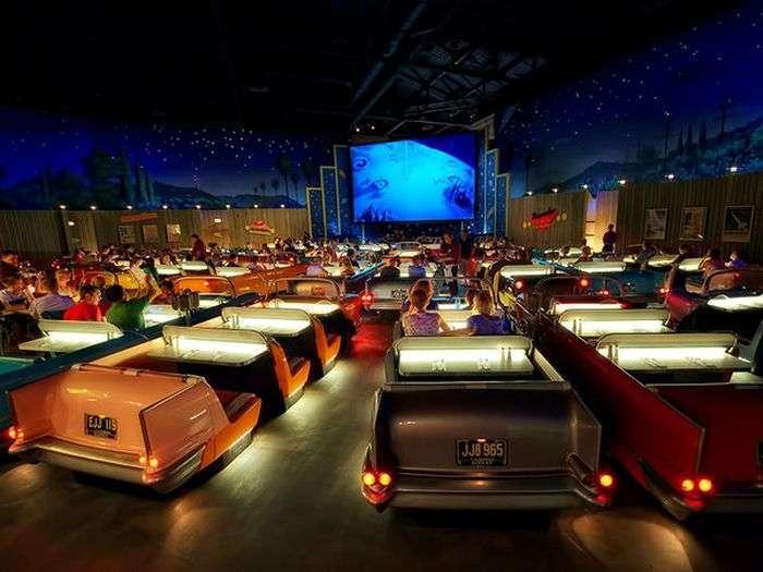 Необычные кинотеатры со всего мира (41 фото)