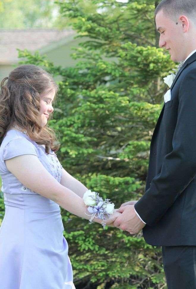 7 лет назад он дал ей обещание. Никто не думал, что он его выполнит!