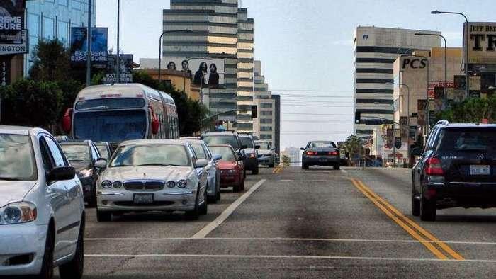 Пять главных отличий дорог в Америке и России (6 фото)