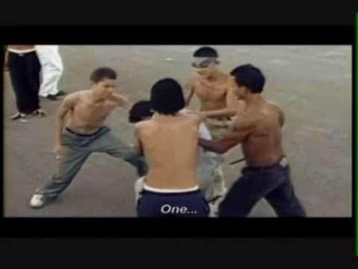 Жуткие ритуалы самой страшной банды Америки (16 фото)