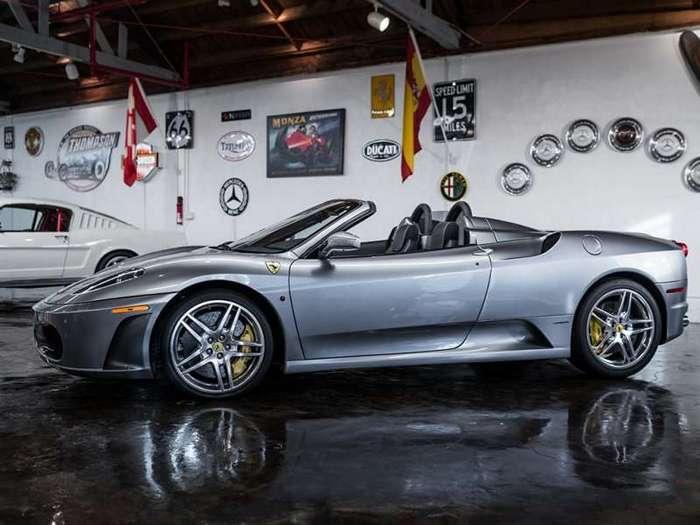 Автомобили для реальной жизни на калифорнийских торгах RM Sotheby's (21 фото)