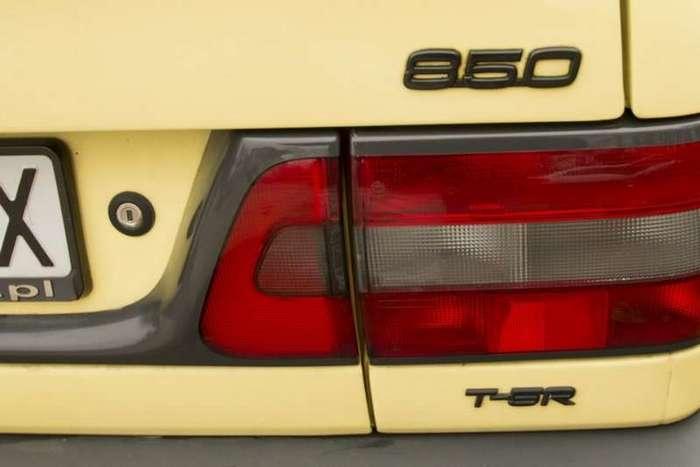 Желтый Volvo 850 T5-R 1995 -The Flying Banana- (19 фото)