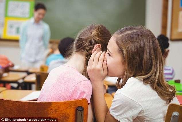 Признания взрослых о том, как они шалили, будучи школьниками (12 фото)